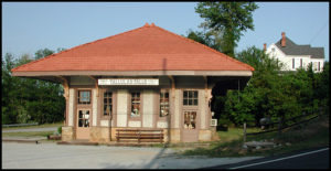 Tallulah Falls train depot and the Moss House